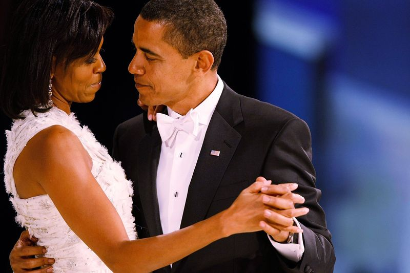 Barack-obama-michelle-dancing1